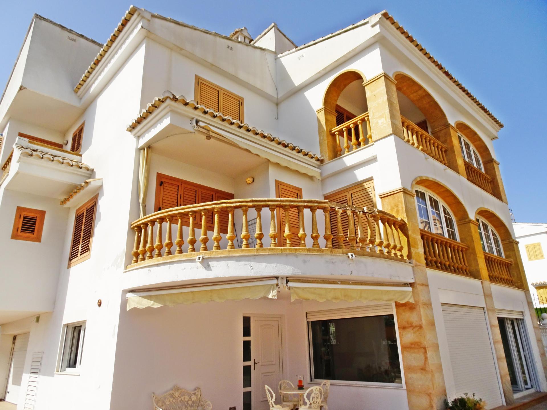 Xalet -                                       Gandia -                                       5 dormitoris -                                       10 ocupants